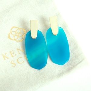 NWT Gorgeous Kendra Scott Blue Agate Earrings!